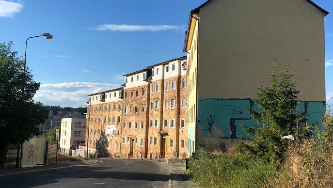 Wolkerova ulice: přestavba domů hrůzy